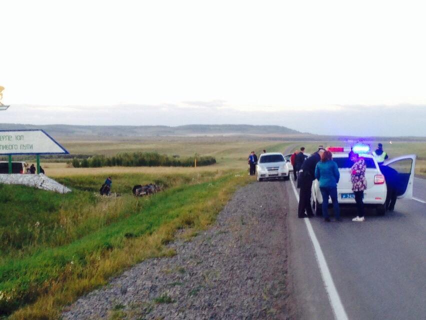 Дорожные полицейские выясняют все детали аварии