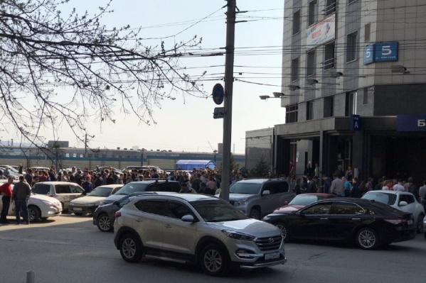 В Железнодорожном районе Новосибирска из бизнес-центра эвакуировали посетителей и сотрудников