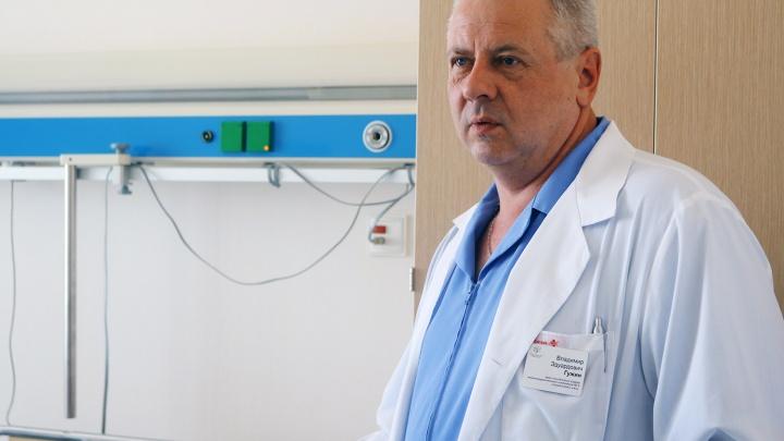 Новосибирский врач-рекордсмен сделал тысячу операций против коварного заболевания