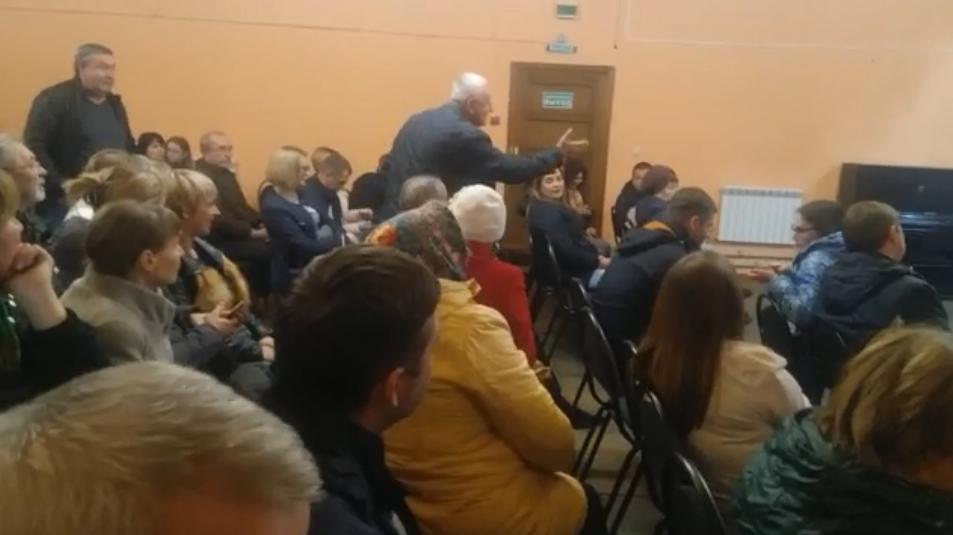 На общественных слушаниях жители поселка высказывались против присоединения