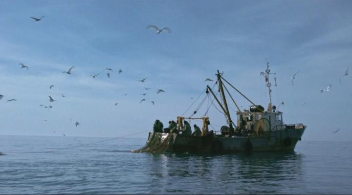 Уральцы сняли трогательную короткометражку о любви глухого рыбака и певицы из прибрежного кафе