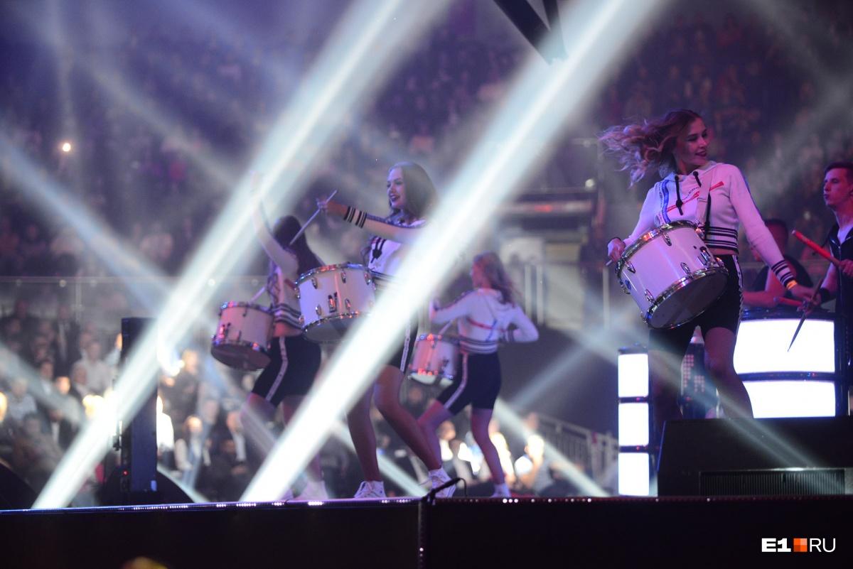 Шоу барабанов было в самом начале церемонии