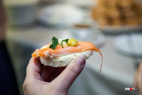 Не все бутерброды с рыбкой одинаково полезны