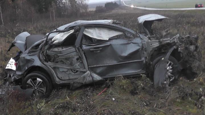 Скончался в реанимации: на трассе в Башкирии иномарка «улетела» в кювет, два человека погибли