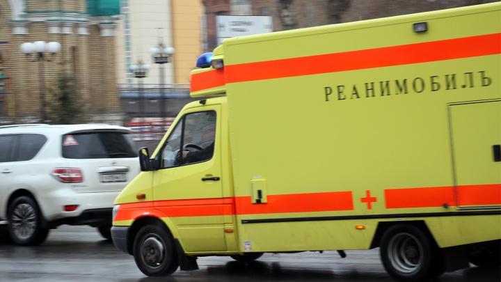 56-летняя омичка на «Мазде» врезалась в скорую на Иртышской набережной
