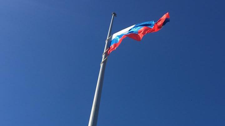 В Аксайском районе установили самый высокий флагшток в Ростовской области