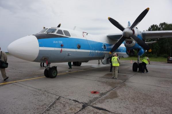 Самолет Ан-26 1979 года выпуска неустанно борется с лесными пожарами