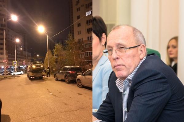 По словам Василенко, парковку ограничили, чтобы было проще улицу убирать