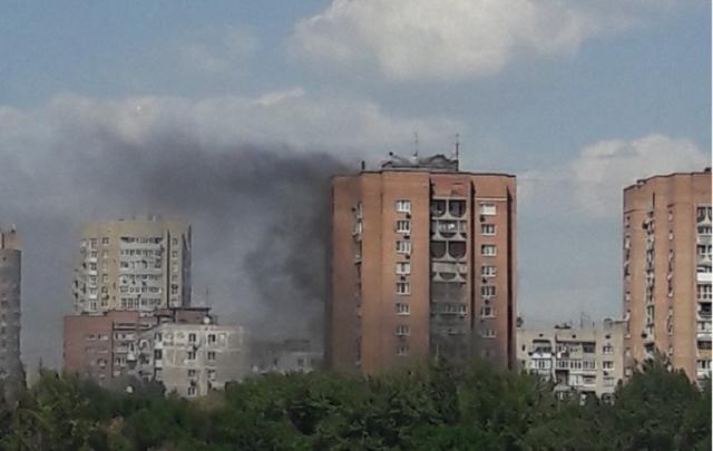 В Ростове на СЖМ загорелся 16-этажный дом