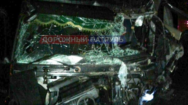 В Башкирии на трассе столкнулись три большегруза: виновник ДТП в больнице