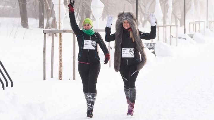 Полсотни новосибирцев устроили забег на набережной в 20-градусный мороз