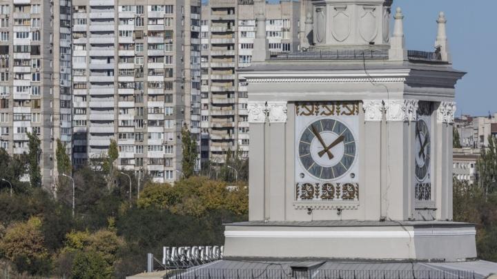 Государственная дума окончательно перевела волгоградское время на час вперёд