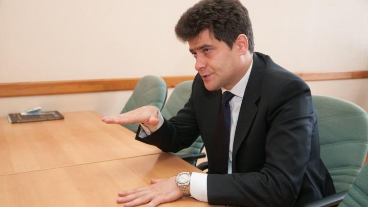 Высокинский подсчитал, что на его зарплату екатеринбуржцы скидываются всего по два рубля