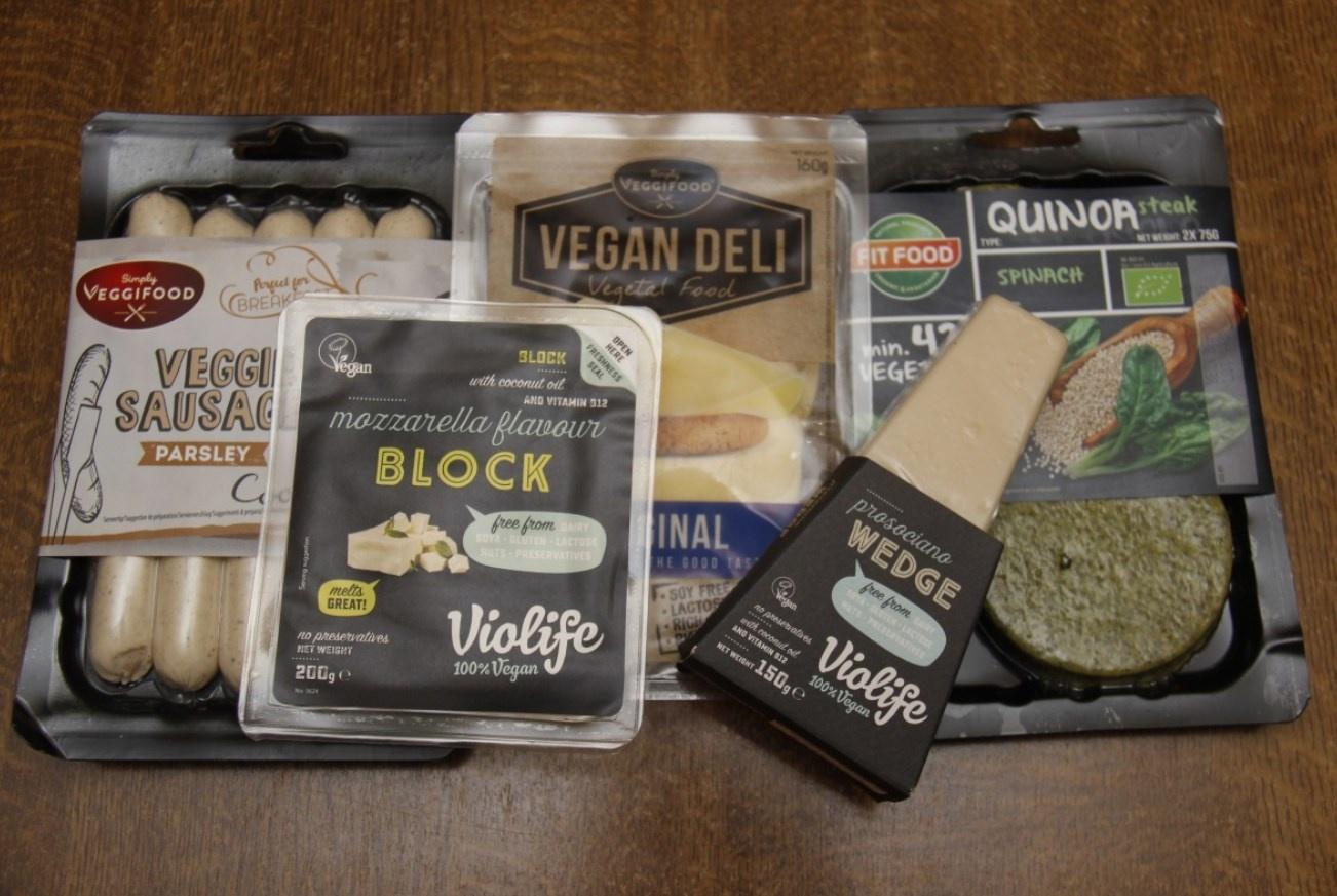В магазинах появились высокотехнологичный сыр без лактозы и сосиски без животного белка