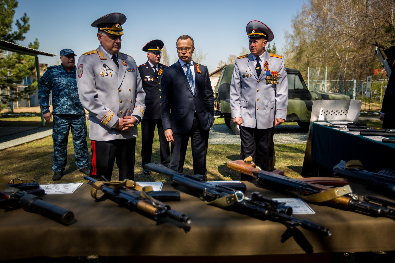 <p>Кроме того, для гостей церемонии подготовили выставку оружия, экипировки и техники органов внутренних дел различных эпох<br></p>