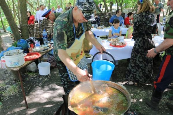 Селедку на праздник готовят по семейным рецептам ростовчан
