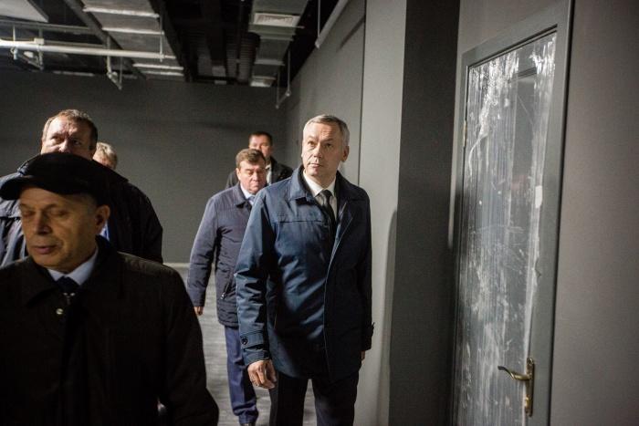 Андрей Травников на экскурсии в мультимедийном парке