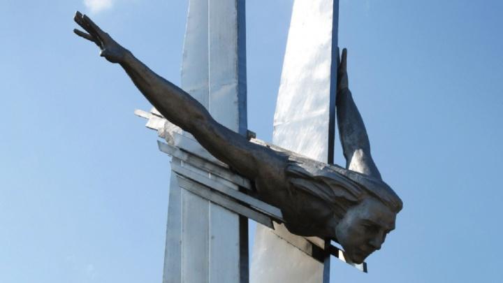 В Самаре приведут в порядок мемориал «женщины-ласточки» Ольги Санфировой