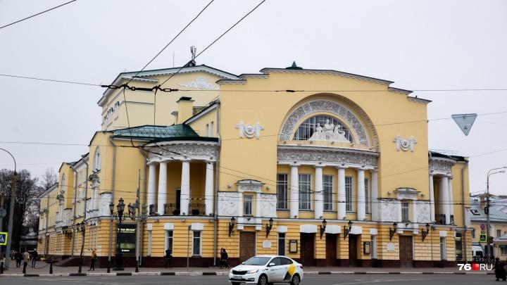 «Четыре театра хотят присоединиться к Александринке»: судьбу Волковского решали в Москве