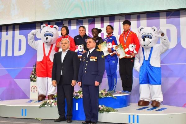 Среди победителей в женском турнире россиянок и красноярок нет.