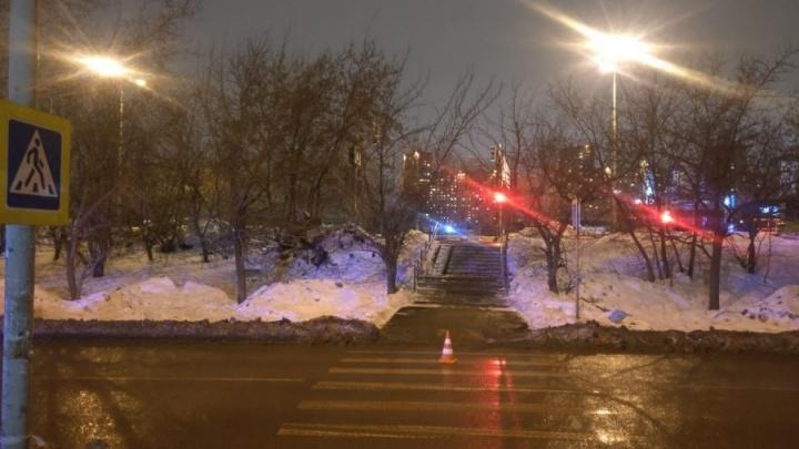 Убедился, что жив, и сбежал: появилось видео аварии на ЖБИ, где машина сбила подростка на переходе