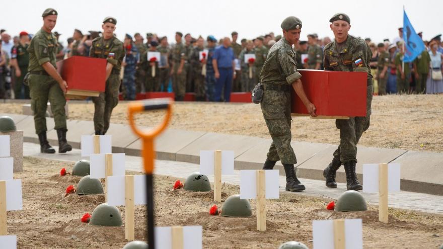 «Каждый день тут погибала целая дивизия»: под Волгоградом попрощаются с сотней защитников города