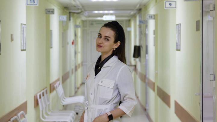 «Все лгут»: история дерматовенеролога, которой приходится быть врачом 24 часа в сутки