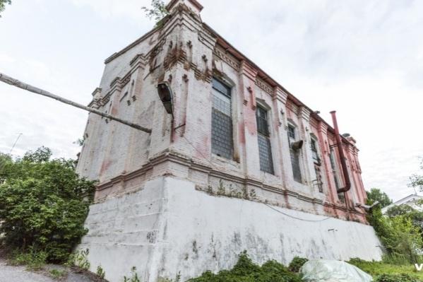 Кадастровая стоимость здания в три раза ниже заявленной на торгах