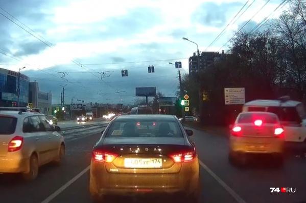 Авария произошла вблизи пересечения проспекта Победы и улицы Болейко