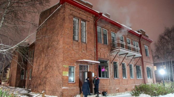 Владельцы горевшего ресторана в Архангельске игнорировали предписания о «грубых нарушениях»