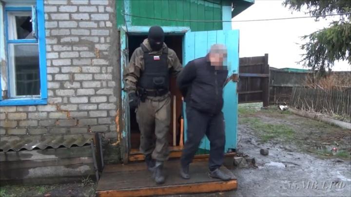 В Омске нашли лабораторию с коноплёй на чердаке дома