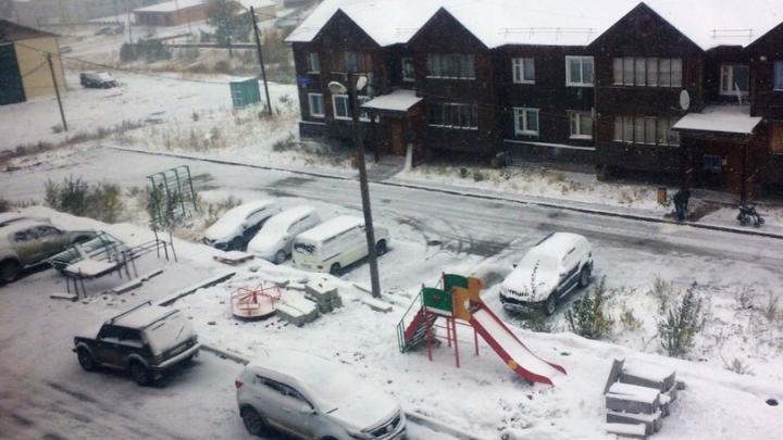 Всё ближе к Красноярску: в Северо-Енисейске выпал снег