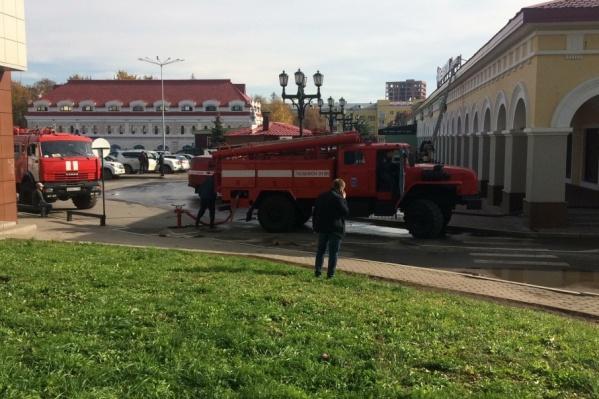 Задымление локализовали сами сотрудники ещё до прибытия пожарных