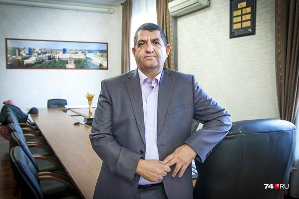 Алишах Сулейманов занимался кондитерским бизнесом и строительством