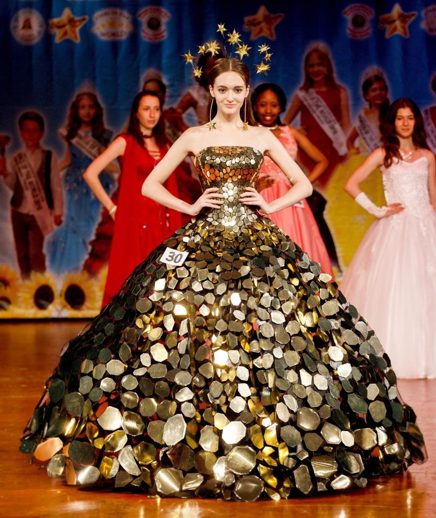 «Принцессой Мира» стала 16-летняя школьница изНовосибирска
