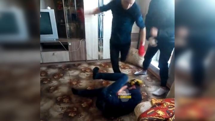Групповое избиение подростка «за изнасилование» попало на видео