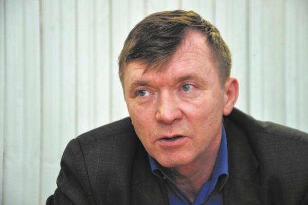 Сейчас Василий Утробин на больничном
