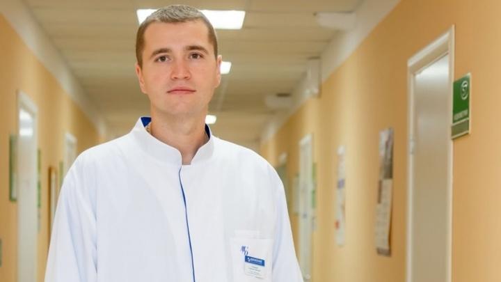 «Вертолету не дадут взлёт»: выжившего в аварии врача Алексея Соловьева везут в Волгоград