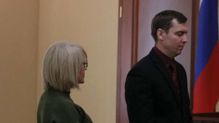 Омскую судью в отставке приговорили к двум годам лишения свободы