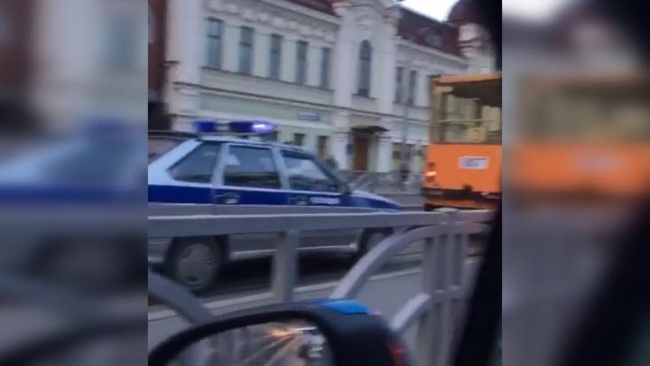 У «Гринвича» полиция оцепила трамвайную остановку