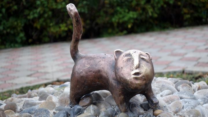 «Бумажный самолетик», кот и уточки: в Перми появились новые скульптуры