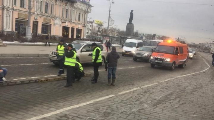 Росавтодор проверил качество ремонта проспекта Ленина, на который жаловались общественники