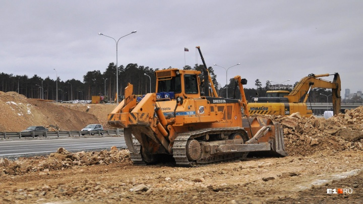 Мэрия Екатеринбурга ищет компанию, которая придумает план строительства дорог к Универсиаде