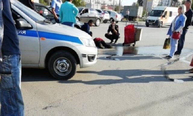 «В десяти шагах»: на юге Волгограда подбиравшая сбитую женщину скорая попала в ДТП