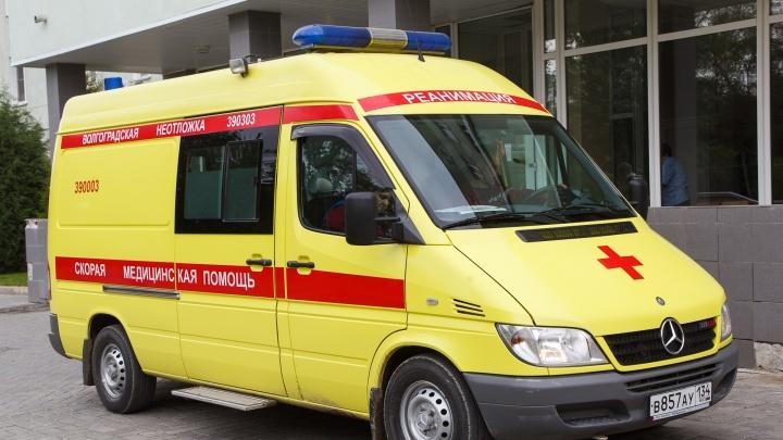 Пять пострадавших, одна — школьница: под Волгоградом молодая компания перевернулась на «семёрке»