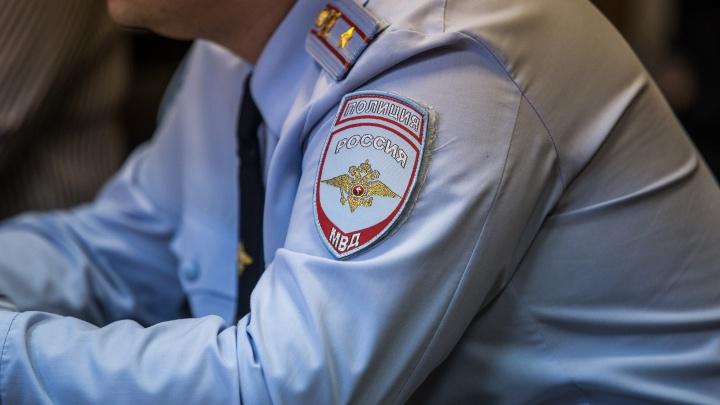 В Нарымском сквере обнаружен труп: работают полиция и следователи