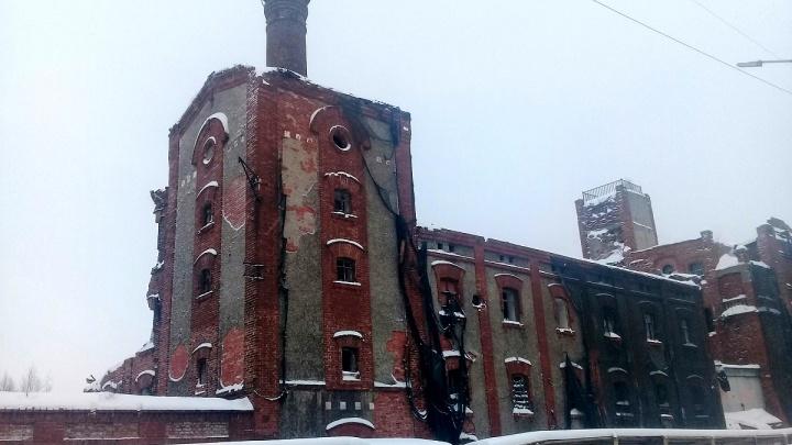 В Архангельске частично разобрали здание пивзавода Суркова