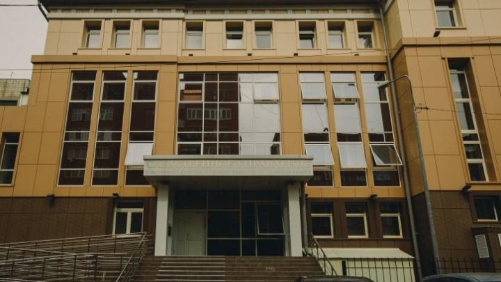 В Тобольске задержали двух мужчин, которые, угрожая, изнасиловали женщину