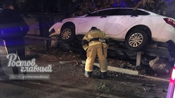 В ночном ДТП на улице Фурмановской пострадала пассажирка такси