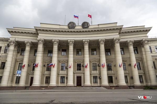 Председатель Правительства обязал волгоградских чиновников снять кондиционеры к октябрю прошлого года